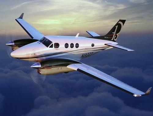 beechcraft king air c90a c90b pilot training manual download down rh tradebit com beechcraft king air c90 pilot training manual King Air 350