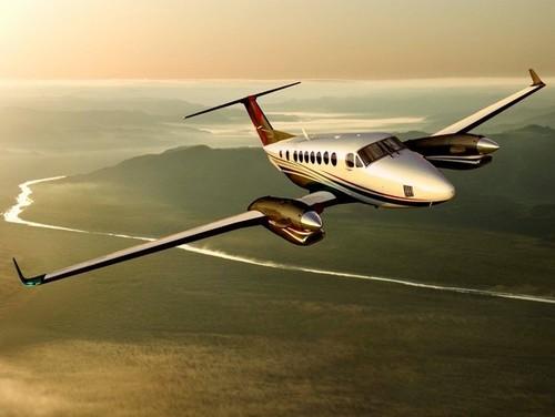 beechcraft super king air 300 350 pilot training manual download rh tradebit com King Air 350I Interior milviz king air 350i manual