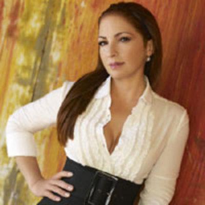 Pay for KARAOKE SET: Gloria Estefan
