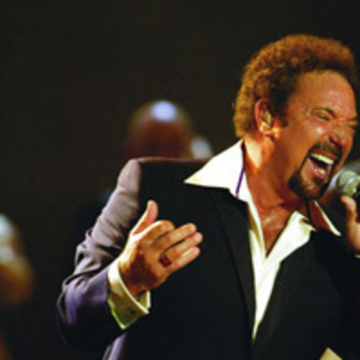 Pay for PROFESSIONAL BACKING TRACKS: Tom Jones
