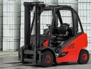 Thumbnail Linde LPG Forklift Truck 392-02 Series: H20T, H25T, H20CNG, H25CNG Operating Instructions (User manual)
