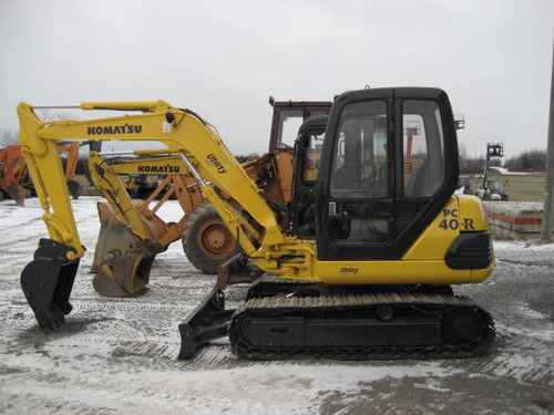 Komatsu Pc25 1 Pc30 7 Pc40 7 Pc45 1 Hydraulic Excavator border=