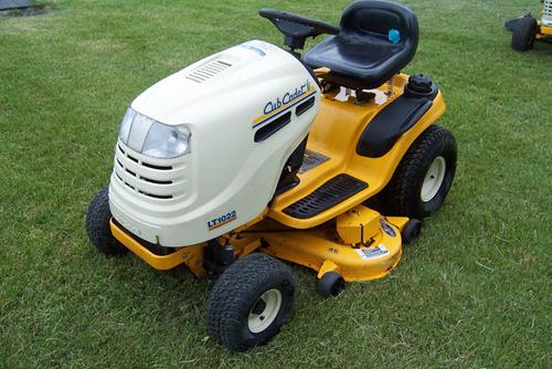 Cub cadet series 1000 lt1018 lt1022 hydrostatic lawn tractor operat pay for cub cadet series 1000 lt1018 lt1022 hydrostatic lawn tractor operation maintenance service manual freerunsca Images