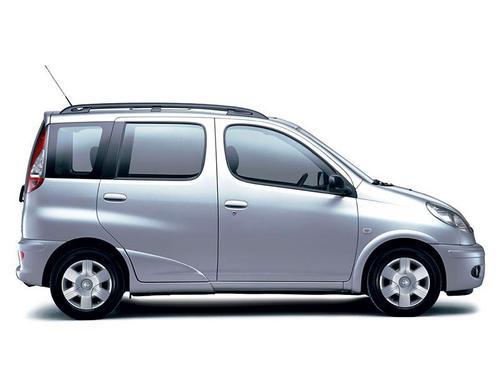 Toyota Yaris Verso (2001-2002)