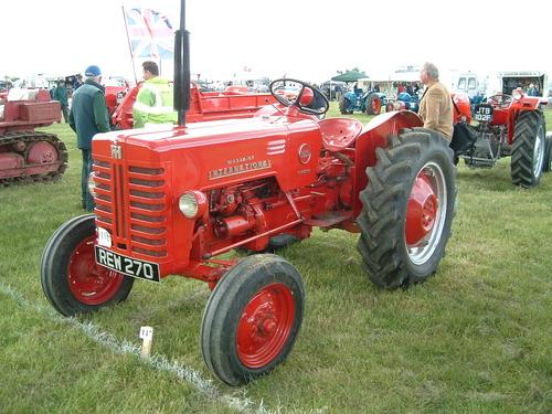 international harvester mccormick b250 and b275 parts repair rh tradebit com international b250 tractor workshop manual Tractor Owners Manuals