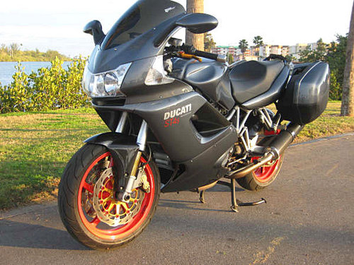 ducati st4 service manual 2000 2001 2002 2003 2004 2005 fsm worksho rh tradebit com ducati st4s workshop manual pdf ducati st4s manuals download