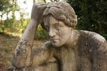 Thumbnail Pandora - nachdenkliche Frau