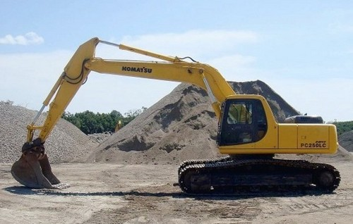 Komatsu PC200 PC200LC-6 PC210LC-6 PC220LC-6 PC250LC-6 Hydraulic Excavator Service Repair Workshop Manual DOWNLOAD (SN: A82001 to A8300)