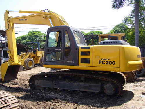 KOMATSU PC200-6, PC200LC-6, PC220-6, PC220LC-6 HYDRAULIC EXCAVATOR SERVICE  SHOP REPAIR MANUAL (S/N: 80001 and up, 50001 and up)