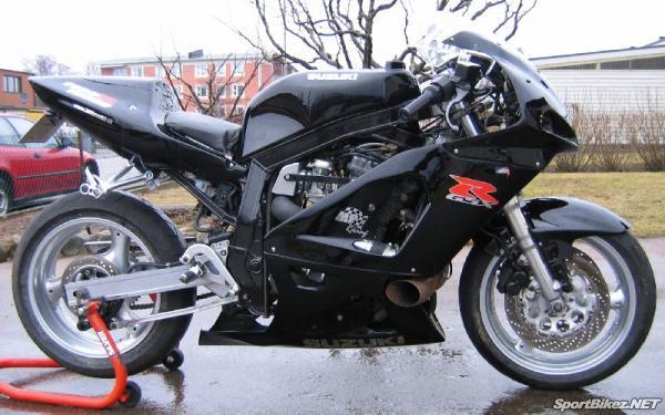 suzuki-gsxr1100-motorcycle-1986-1987-1988