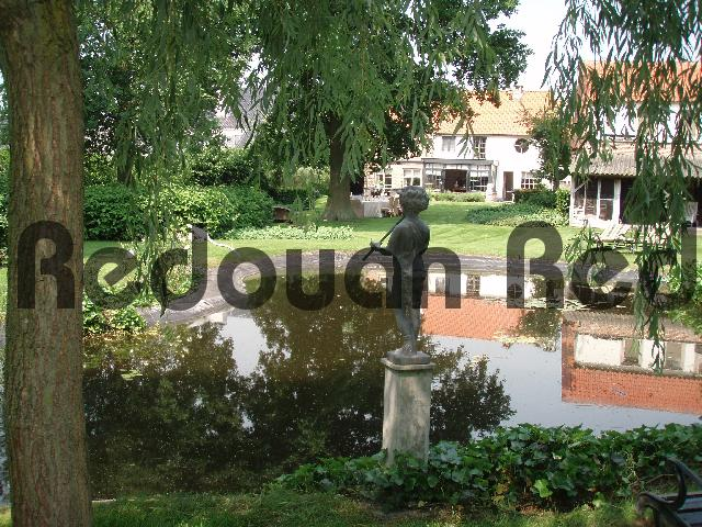 Pay for Reflecting pond and statues in a green garden