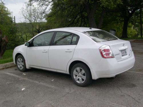 Nissan Sentra: 01 фото.