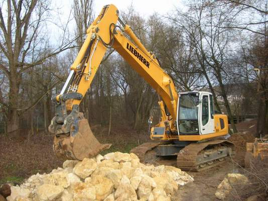 Pay for LIEBHERR R914C R924C TRACKED EXCAVATOR SERVICE MANUAL