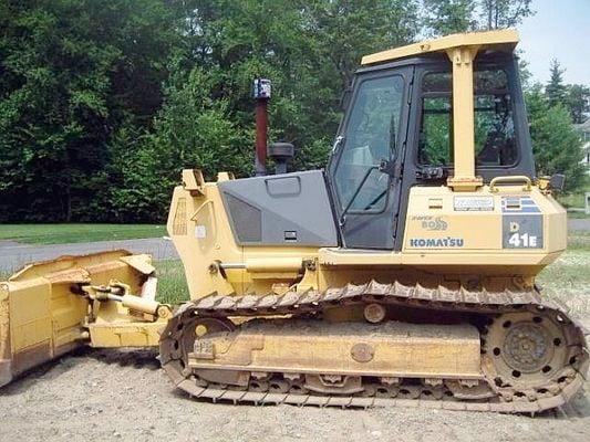 komatsu d41e 6 d41p 6 bulldozer operation maintenance