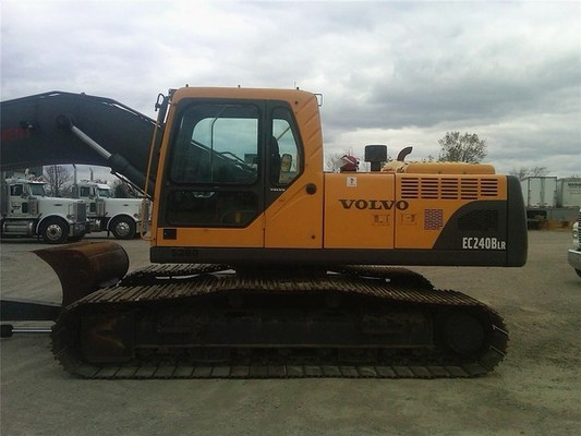 Pay for VOLVO EC240B LR EXCAVATOR SERVICE REPAIR MANUAL