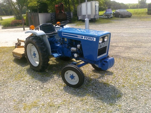Ford New Holand 1300 Tractor Operators Manual