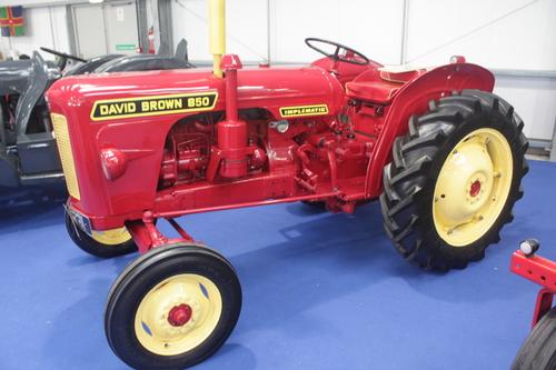case ih david brown 850 880 990 tractor 4 cyl engine operators manu rh tradebit com David Brown Tractor Parts David Brown Tractor Parts