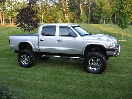 on 2000 Dodge Dakota Lifted
