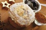 Thumbnail Christmas muffin with plum butter and cinnamon on a wooden table