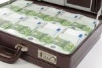 Thumbnail Briefcase full of Euro banknotes