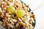Thumbnail Fruit musli and grapes in a bowl