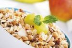 Thumbnail Exotic fruit muesli with grapes