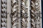 Thumbnail Steinrelief am Eingang einer Kirche, Todi, Umbrien, Italien