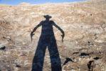 Thumbnail Revolverheld als Schatten in der Atacama-Wüste, Chile, Südamerika