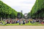 Thumbnail Picnic in the park, Jardin du Luxembourg, Paris, France