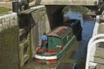 Thumbnail Houseboat in canal lock, Devizes, Avon River, South England, England, United Kingdom, Europe