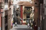 Thumbnail Calle Pérez de Brito and Placeta de Borrero, historic town of Santa Cruz de la Palma, La Palma, Canary Islands, Spain