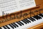 Thumbnail Piano and music sheets