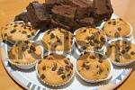 Thumbnail muffins and brownies on a plate