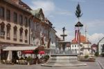 Thumbnail Main square and baroque facade of city hall and fountain with Walther von der Vogelweide, St. Veit an der Glan, Carinthia, Austria, Europe
