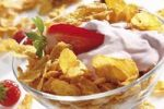 Thumbnail Cornflakes with strawberries and yoghurt