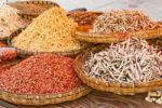Thumbnail Dried fish and shrimps in bamboo bowls, market, China, Asia