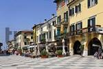 Thumbnail houses at the via fontana, Lazise, Lake Garda, Italy