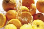Thumbnail Citrus fruit with jet of water