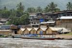 Thumbnail Jetty on the Nam Ou River, village with many huts in the Muang Khoua district, Phongsali, Phongsali province, Laos, Southeast Asia, Asia
