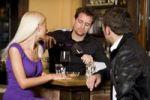Thumbnail Couple and waiter at the bar
