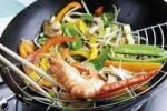 Thumbnail Wok with mixed vegetables and prawns