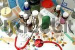 Thumbnail Verschiedene Medikamente, Tabletten, Spritzen, Stethoskop und Pflaster