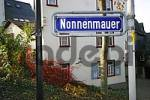 Thumbnail road sign meaning nun-wall in Limburg, Hesse, Germany
