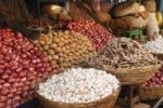 Thumbnail Onions, potatoes, ginger and garlic, Devaraja Market, Mysore, Karnataka, South India, India, South Asia, Asia
