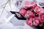 Thumbnail Bridal bouquet, wedding rings, wedding day still life