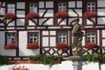 Thumbnail Half-timbered hotel Behringer and Maria Immaculata from the Market Square fountain, Volkach, Mainfranken, Lower Franconia, Franconia, Bavaria, Germany, Europe