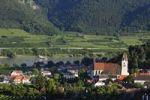 Thumbnail Spitz with parish church and the Danube, Wachau, Waldviertel, Lower Austria, Austria, Europe