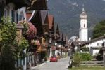 Thumbnail Row of houses on Sonnenstrasse street, Church of St. Martin, Garmisch district, Garmisch-Partenkirchen, Wank mountain at the back, Werdenfelser Land region, Upper Bavaria, Bavaria, Germany, Europe