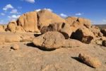 Thumbnail Granite boulders in the Hoggar, Ahaggar Mountains, Wilaya Tamanrasset, Algeria, Sahara, North Africa