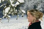 Thumbnail Young woman in winter